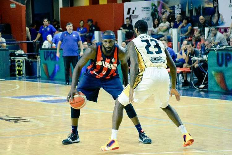 Tyrone teve curta passagem pelo San Lorenzo (Foto: Divulgação/San Lorenzo)