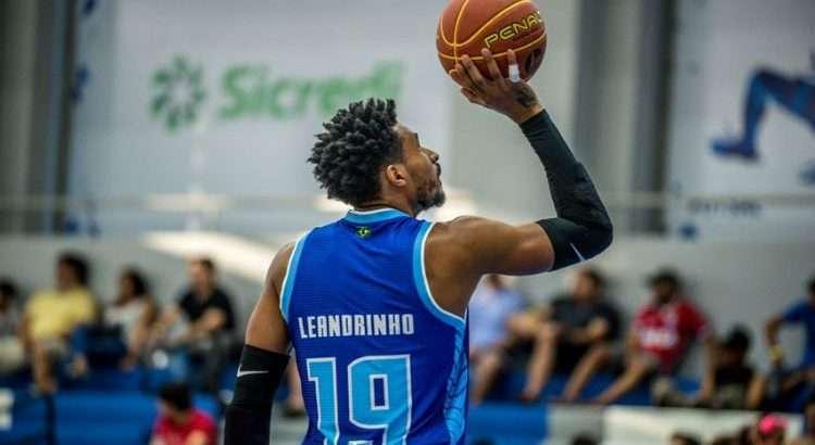 Leandrinho é o único remanescente da última temporada do Minas (Foto: Divulgação/Unifacisa)