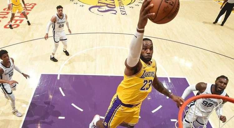 James foi importante na vitória do Lakers dessa terça (Foto: Divulgação/Los Angeles Lakers)