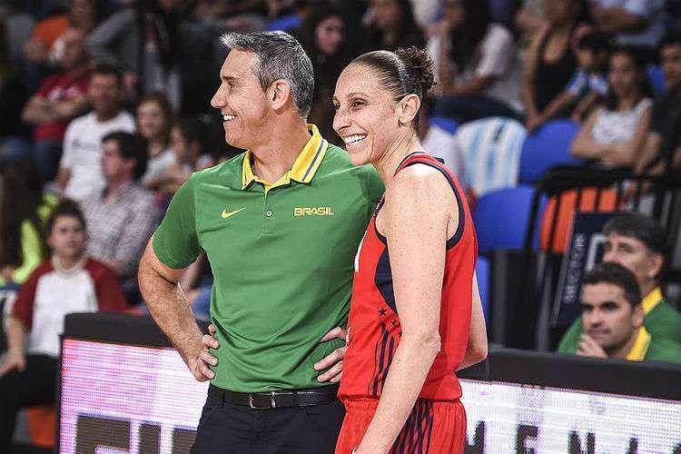 Neto anulou as principais jogadoras estadunidenses, como a experiente Diana Taurasi, de 37 anos, que anotou seis pontos (Foto: Divulgação/Fiba)