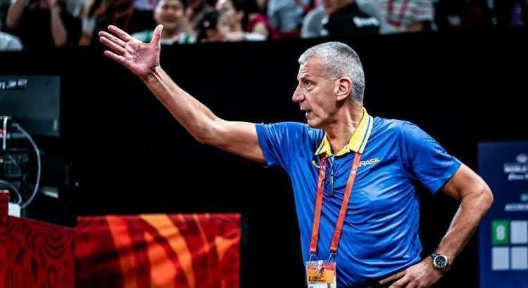 Petrovic comanda a Seleção Brasileira desde outubro de 2017 (Divulgação/Fiba)