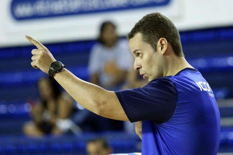 Cristiano Grama já comandou o time profissional do Minas (Foto: Orlando Bento/Minas)