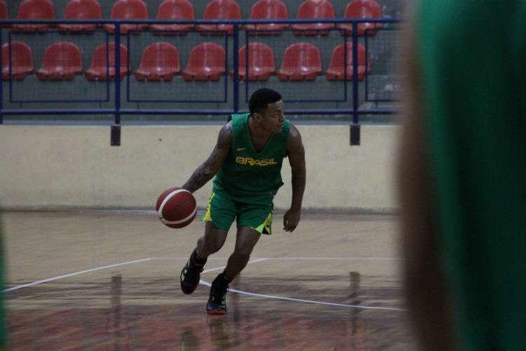 Yago, do Paulistano, é um dos armadores da Seleção Brasileira (Foto: Thierry Gozzer/CBB)