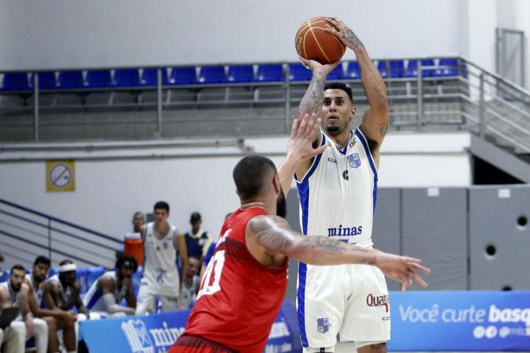 Jackson Jr. passou cinco vezes dos dez pontos em uma partida com a camisa do Minas (Foto: Orlando Bento/Minas)