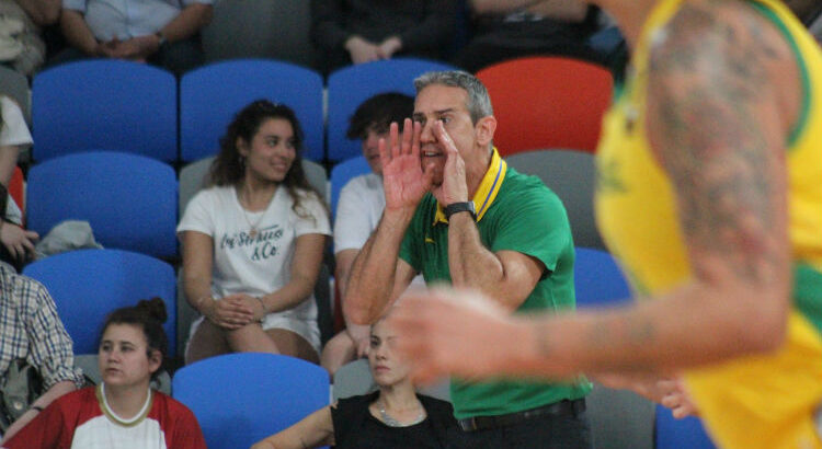 Continuidade de Neto na seleção foi discutida após ciclo olímpico de Tóquio terminar sem a vaga (Foto: Thierry Gozzer/CBB)