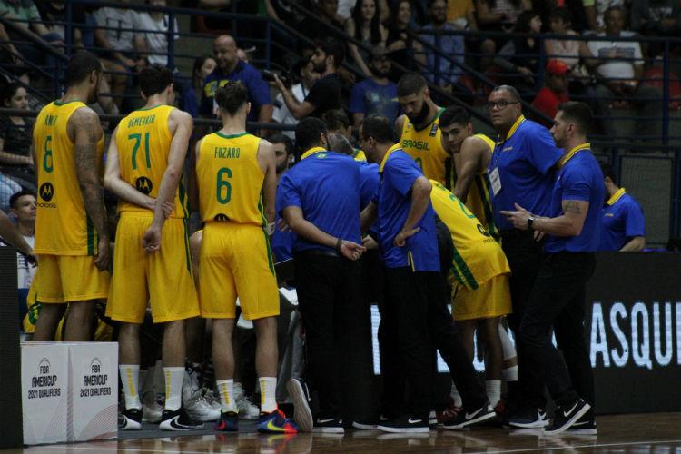 Jogadores brasileiros pressionam por revisão na regra de estrangeiros por equipe no NBB (Foto: Thierry Gozzer/CBB)