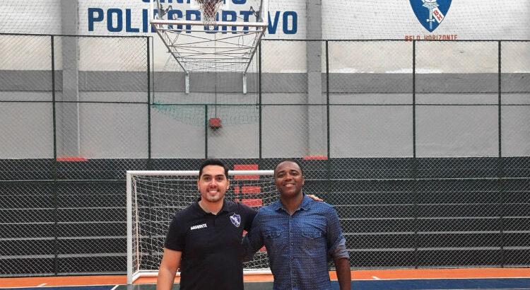Márcio Trindade, gestor do clube, e Gilberto Nascimento, treinador da equipe feminina (Foto: Divulgação/Círculo Militar de BH)
