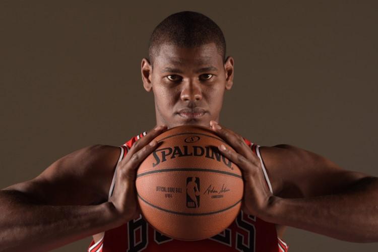 Felício chegou ao Chicago Bulls em 2015 e irá para o último ano do atual contrato pela franquia (Foto: Divulgação/NBA)