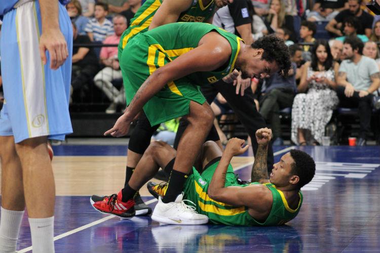 Lucas Dias e Yago Mateus atuaram em fevereiro e também entram em quadra nesta sexta (Foto: Thierry Gozzer/CBB)