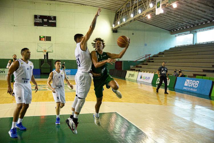 Fuller foi um dos destaques na vitória do Cerrado (Foto: Carlos Teixeira/Cerrado)