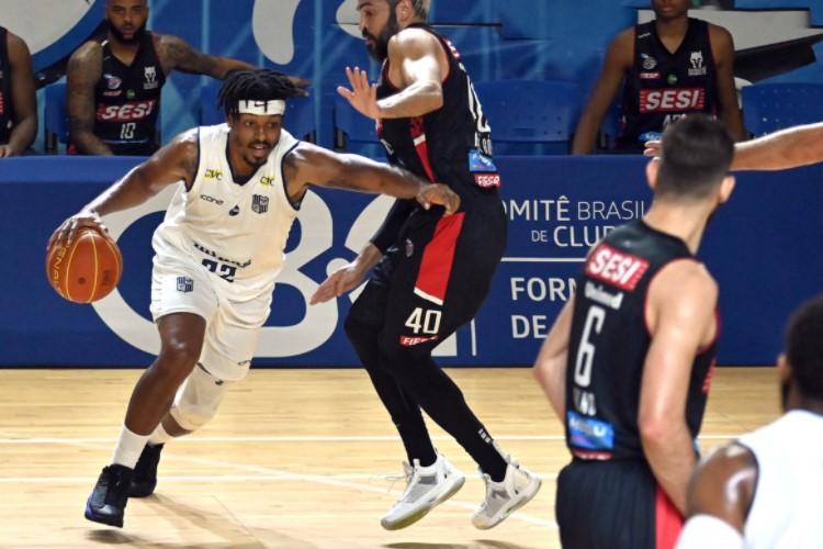 Shaq Johnson anotou 26 pontos na vitória do Minas sobre o Franca (Foto: João Pires/NBB)