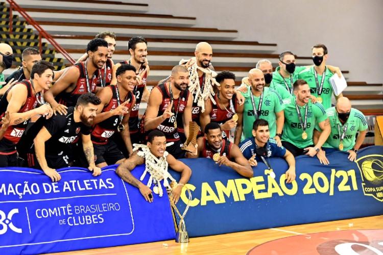Flamengo, vice-líder do NBB, sagrou-se campeão da Copa Super 8 (Foto: João Pires/LNB)