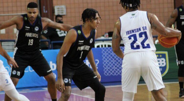 Shaq Johnson anotou 7 pontos na vitória sobre o Pinheiros (Foto: Divulgação/Cerrado)