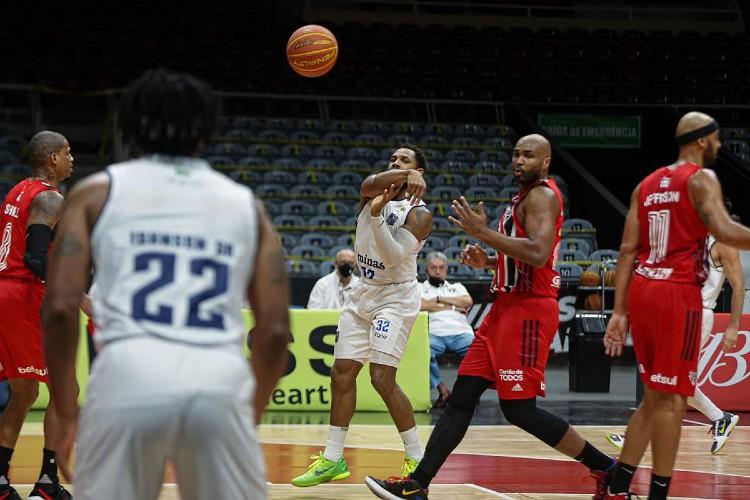 Minas foi derrotado no jogo 1 da semifinal por 88 a 70 (Foto: Bruno Lorenzo/LNB)