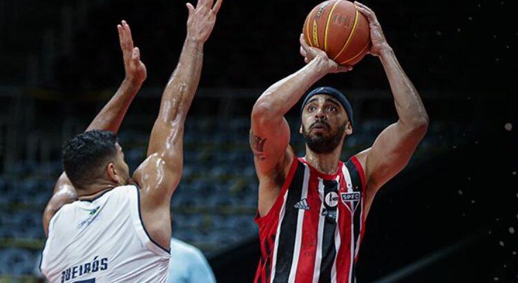 Jefferson William anotou 13 pontos na vitória do São Paulo sobre o Minas (Foto: Bruno Lorenzo/LNB)