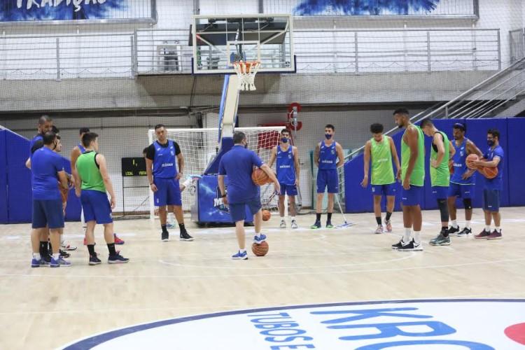 Minas fez o último treino em BH na sexta-feira (07/05) (Foto: Orlando Bento/Minas)