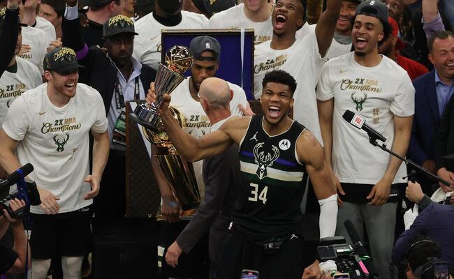 Antetokounmpo foi eleito o melhor das finais desta temporada da NBA (Foto: Jonathan Daniel/AFP)