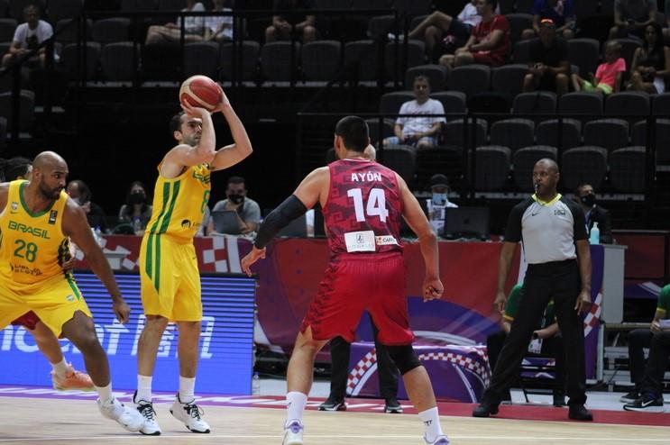 Vítor Benite foi o cestinha da partida, com 22 pontos (Foto: Thierry Gozzer/Confederação Brasileira de Basketball)