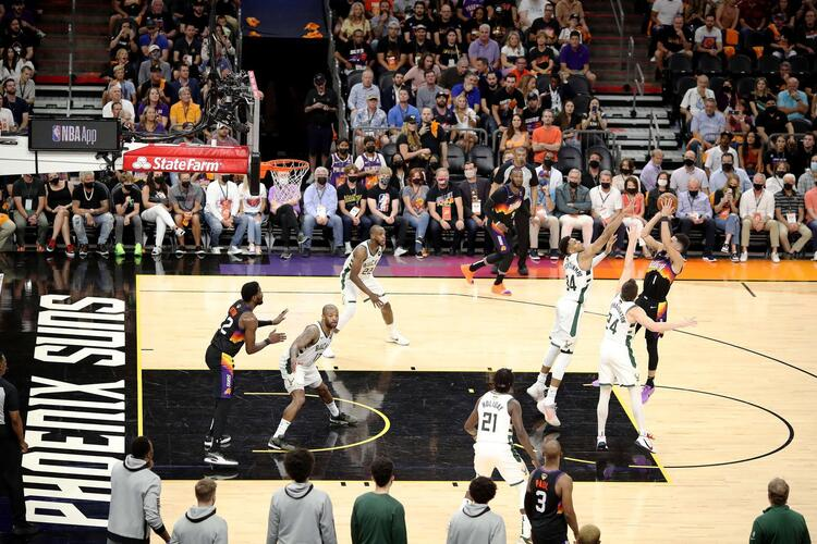 Devin Booker é o cestinha do Phoenix Suns nas finais da NBA (Foto: Christian Petersen/AFP)