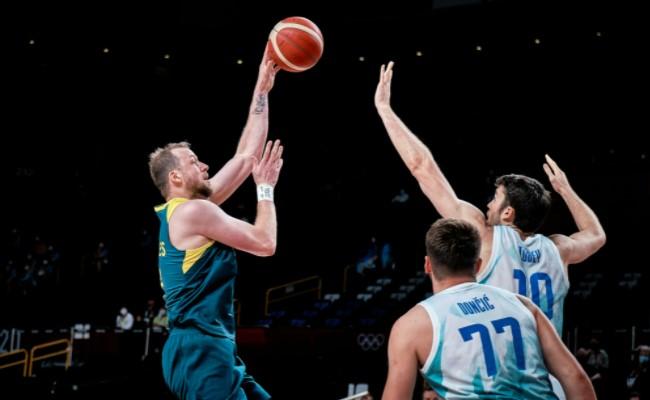 Austrália conquistou o bronze em Tóquio ao vencer a Eslovênia (Foto: Divulgação/FIBA)